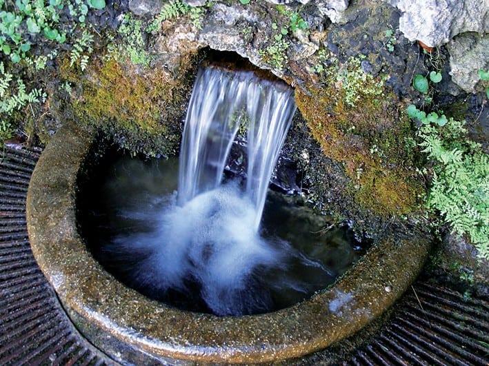 Acqua di sorgente