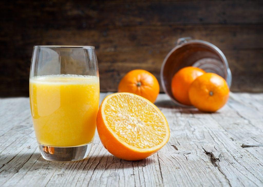 Frutta e verdura di stagione spesa di dicembre arance