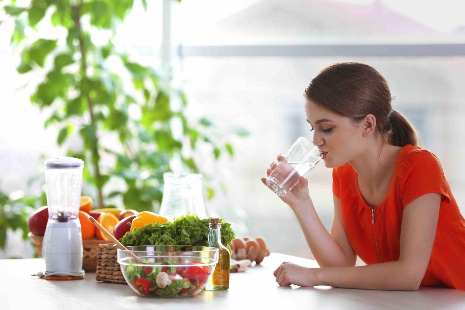 Ipertensione e alimentazione: cosa mangiare? - Bere Acqua