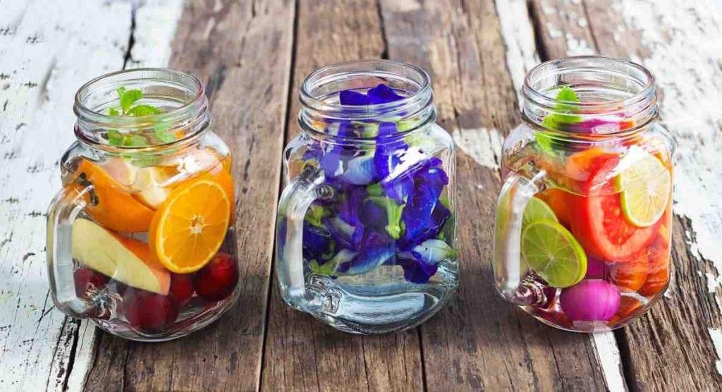 Acqua aromatizzata energizzante 3 ricette per affrontare il cambio di stagione