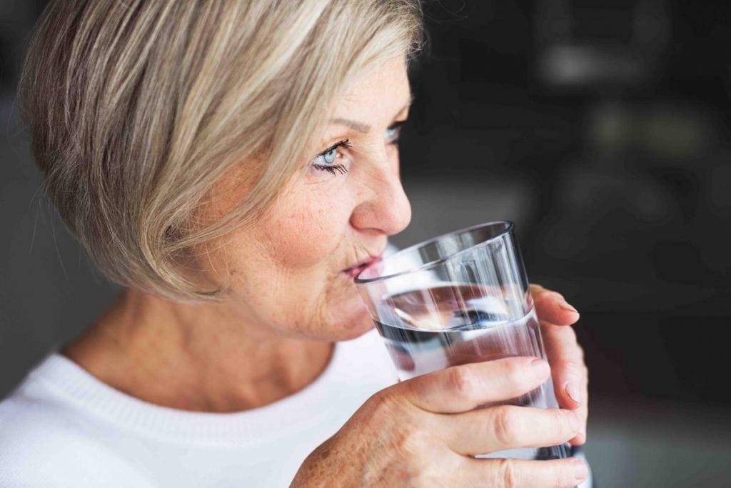 Scegliere l'acqua più giusta per tutte le età