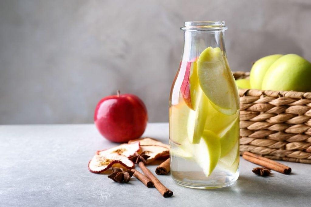 acqua detox dimagrante mela cannella