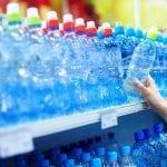 L'acqua minerale ha scadenza?