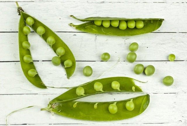 Frutta e verdura di stagione la spesa di maggio piselli