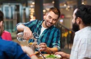 Trigliceridi e acido urico alti: quale acqua bere?