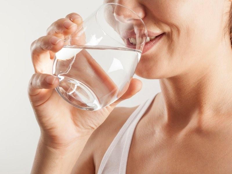 Quando bere acqua 7 occasioni in cui bere di più