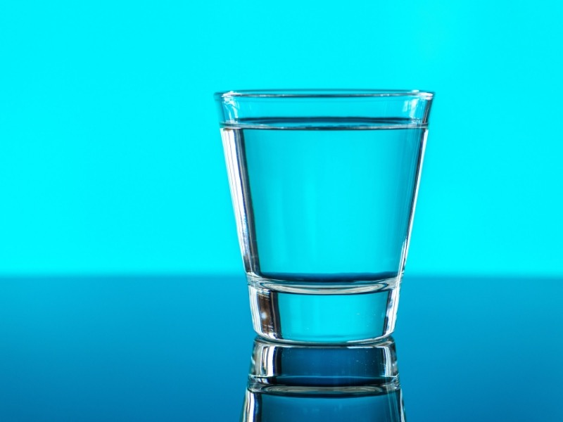 Ipertensione e ritenzione: quale acqua bere?