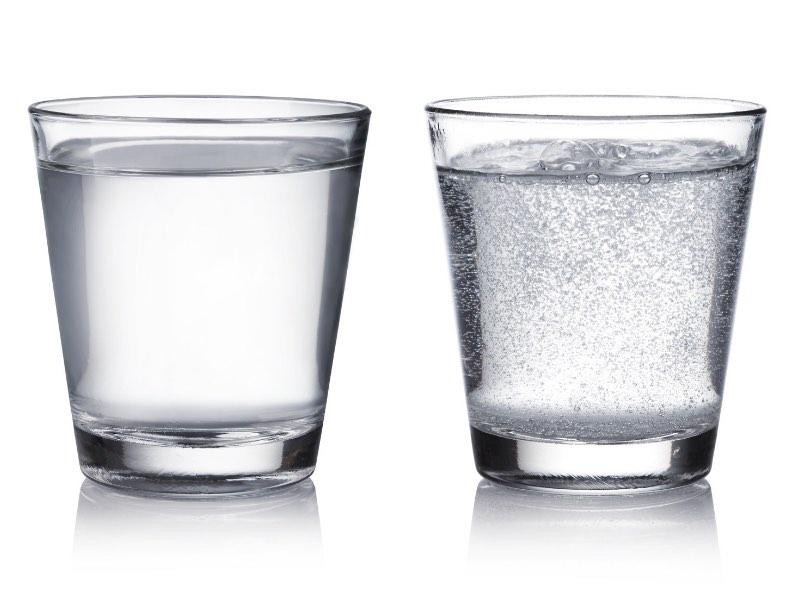 Eliminare l'acido urico: va bene l'acqua gassata?